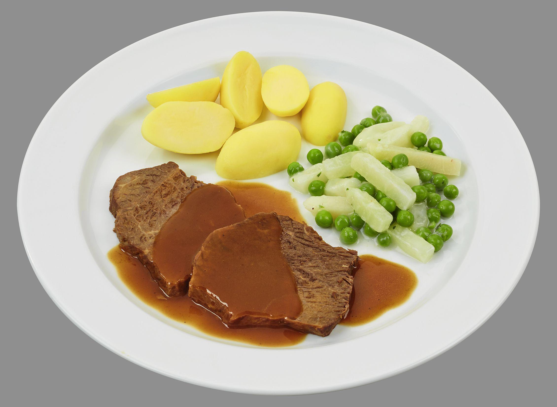 Feiner Rinderbraten in dunkler Bratensoße  mit Kohlrabi-Erbsen-Gemüse in cremiger Soße, dazu Salzkartoffeln